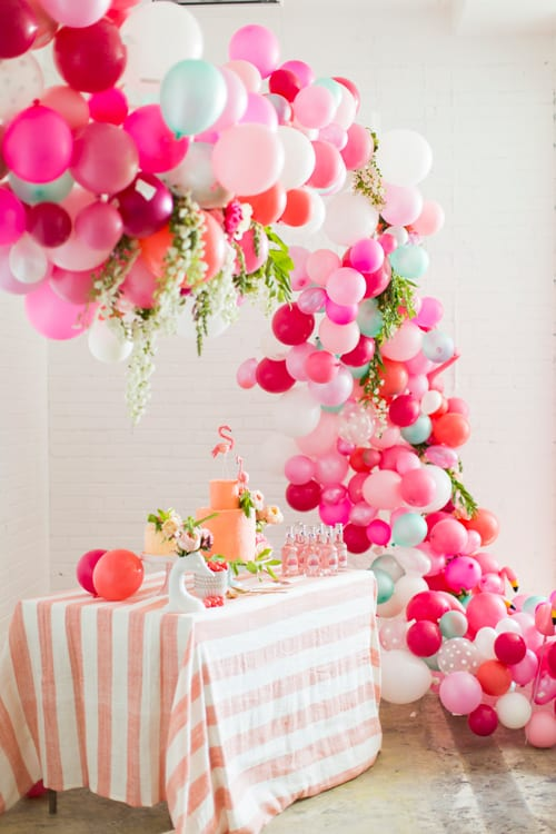 Balloon Photo booth idea