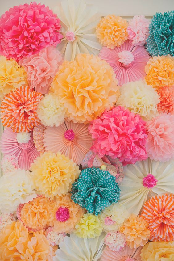 Pom Pom & Paper Fan Photo Booth
