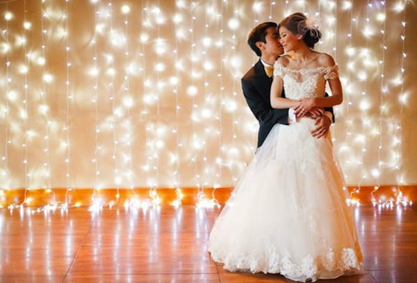 fairy-lights-wedding-backdrop