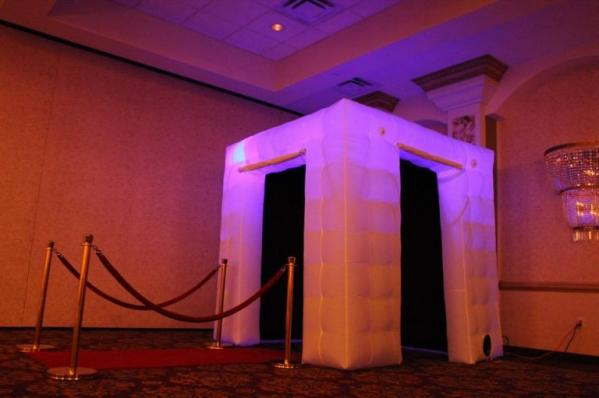 Classy Private Enclosed Photo Booth by Tagbooth