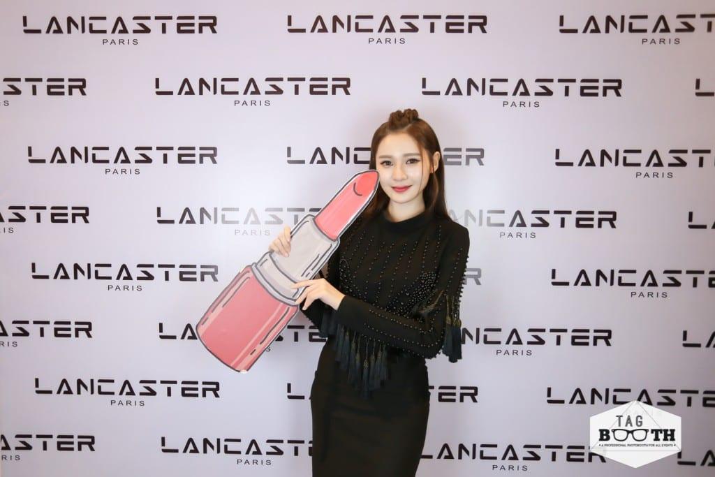 Yumi Wong at Photobooth