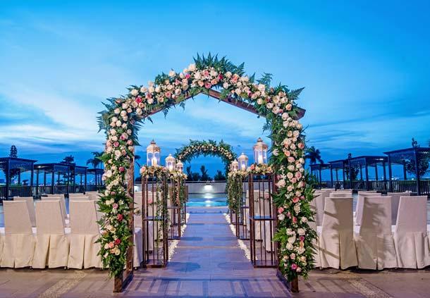 Renaissance Johor Bahru Hotel Poolside Wedding